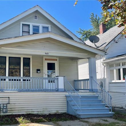 Rent this 3 bed apartment on 609 East Amherst Street in Buffalo, NY 14215