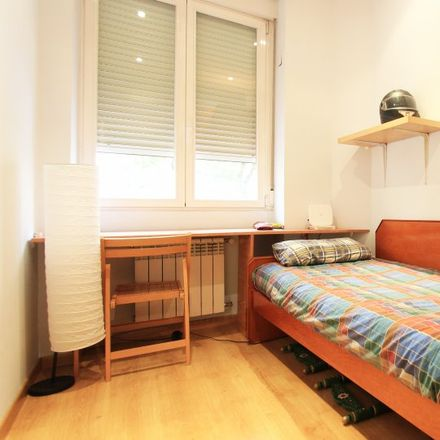 Rent this 3 bed room on Calle de Galileo in 75, 28015 Madrid