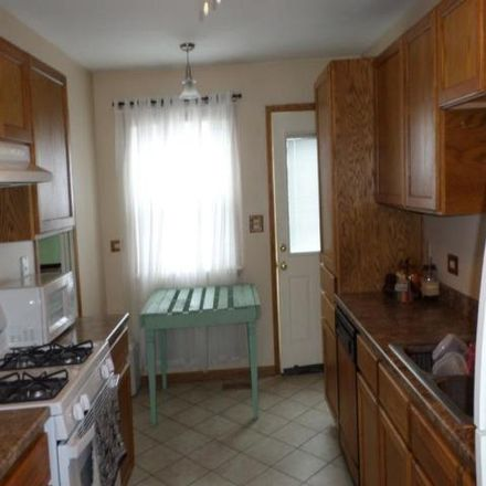 Rent this 3 bed house on 678 Cumberland Street in Hoffman Estates, Schaumburg Township