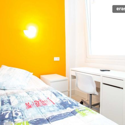 Rent this 3 bed room on Calle Gral. Concha in Bilbao, Vizcaya