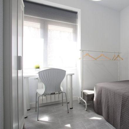 Rent this 5 bed apartment on I.E.S. Marqués de Suanzes in Avenida Veinticinco de Septiembre, 28001 Madrid