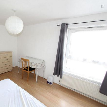 Rent this 4 bed room on 22 Cardigan Road in London E3 5HU, United Kingdom