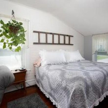 Rent this 3 bed house on 32 Centre Street in Somerset, MA 02726