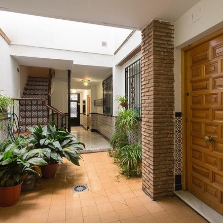 Rent this 2 bed apartment on Bodega Los Tintos in Calle San Isidro, 23