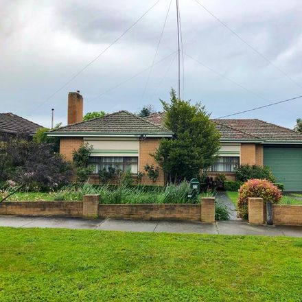 Rent this 3 bed house on 32 Hyde Park Road