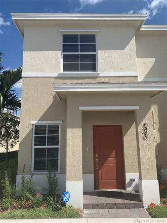Rent this 2 bed townhouse on 540 Northeast 5th Street in Fort Lauderdale, FL 33301