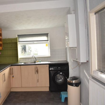 Rent this 4 bed house on Gainsborough Road in Crewe CW2 7PH, United Kingdom