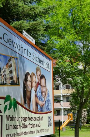 Rent this 3 bed apartment on Professor-Willkomm-Straße 9 in 09212 Limbach-Oberfrohna, Germany