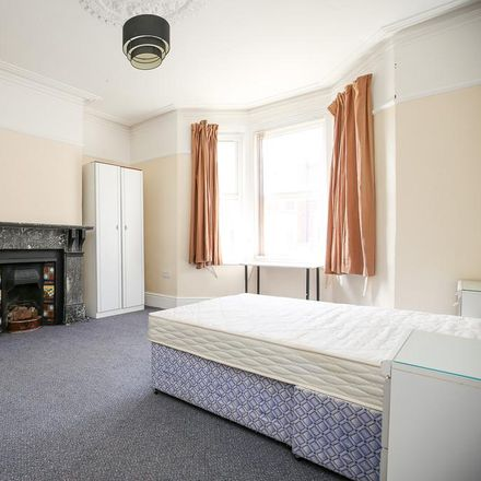 Rent this 2 bed apartment on Glenthorn Road in Newcastle upon Tyne NE2 2DL, United Kingdom