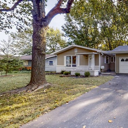 Rent this 3 bed house on 1422 South Barnes Avenue in Springfield, MO 65804