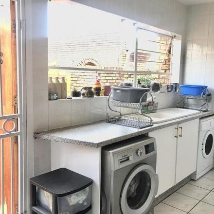 Rent this 3 bed townhouse on Albertina Sisulu Road in Johannesburg Ward 124, Johannesburg