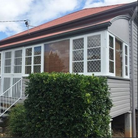 Rent this 3 bed house on 4 Woodend Road
