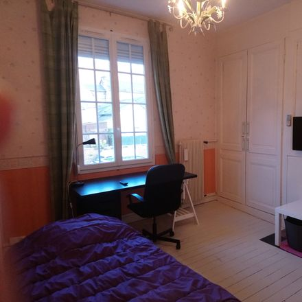Rent this 5 bed room on 71 Rue Gambetta in 76250 Déville-lès-Rouen, France