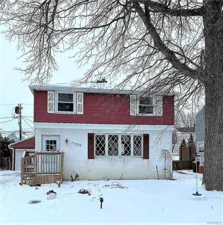 Rent this 3 bed house on Vicksburg Avenue in Tonawanda, NY 14150