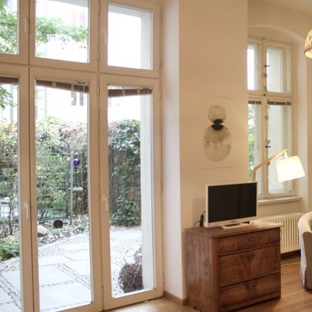 Rent this 3 bed apartment on Raabeplatz in Raabestraße, 10405 Berlin
