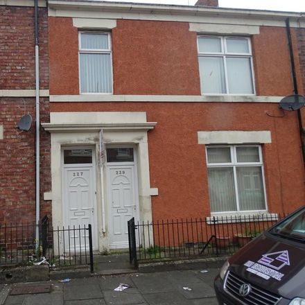 Rent this 3 bed apartment on Blackett's in Tamworth Road, Newcastle upon Tyne NE4 5AL
