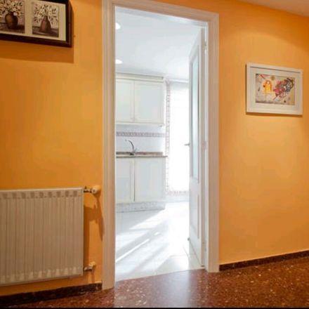 Rent this 2 bed room on Carrer de la República de Guinea Equatorial in 10, 46022 València