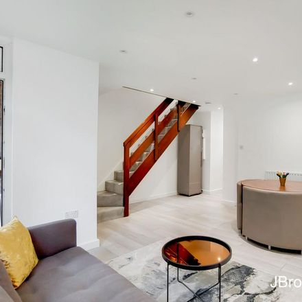 Rent this 2 bed apartment on Clipper House in Manchester Road, London E14 3DQ