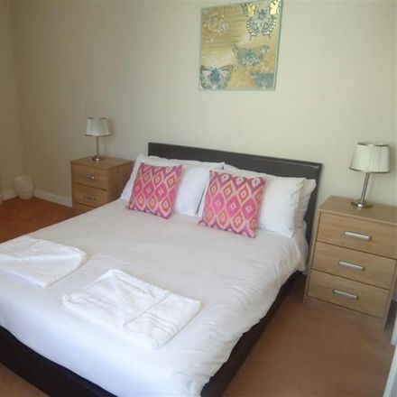 Rent this 2 bed apartment on Balmoral House in Canons Way, Bristol BS1