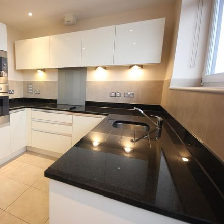 Rent this 2 bed apartment on Ridgemont in London, United Kingdom
