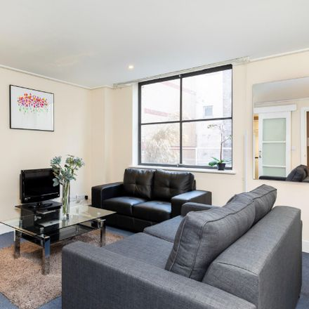 Rent this 2 bed apartment on London EC4A 1LR