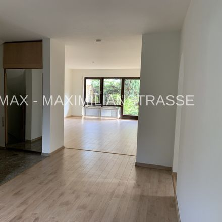 Rent this 3 bed apartment on 81375 Munich
