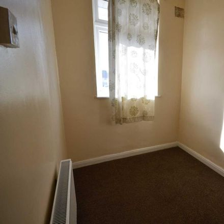 Rent this 3 bed house on Auriel Avenue in London RM10 8BU, United Kingdom