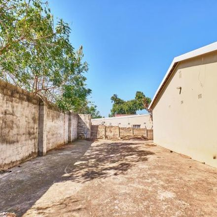 Rent this 3 bed house on First Avenue in Isipingo Beach, KwaZulu-Natal