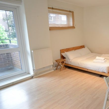 Rent this 0 bed apartment on Platform 2 in Carriage Way, London SE8 4BX