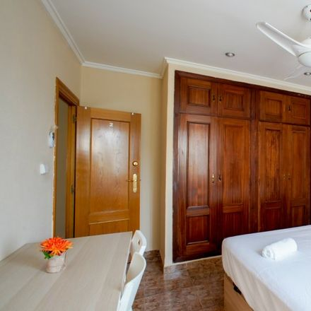 Rent this 3 bed apartment on Carrer d'Eivissa in 46024 Valencia, Spain