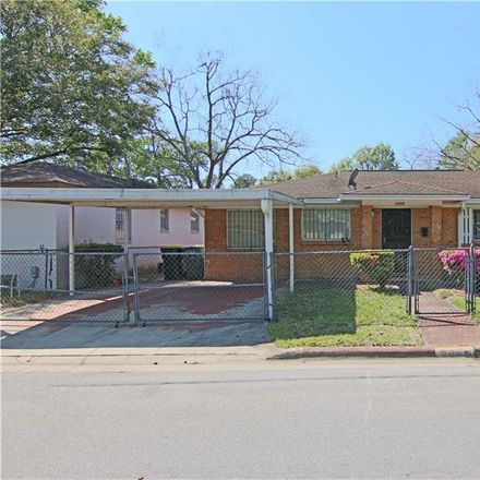 Rent this 3 bed house on 3305 Florance Street in Savannah, GA 31405