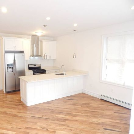 Rent this 2 bed house on 923 East 84th Street in New York, NY 11236