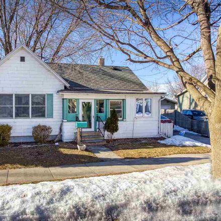 Rent this 3 bed house on 809 Desnoyer Street in Kaukauna, WI 54130