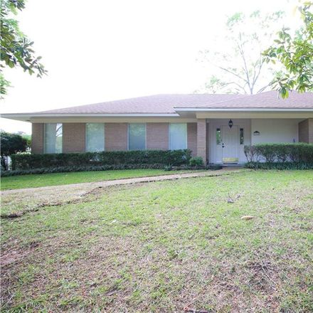 Rent this 4 bed house on 6910 Oak Hill Circle in Shreveport, LA 71106