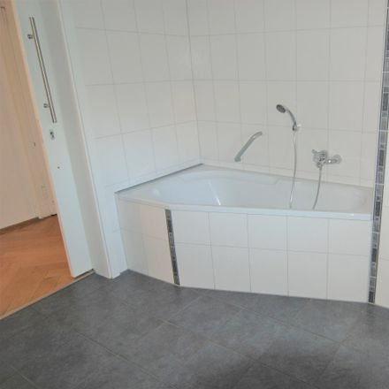 Rent this 5 bed apartment on Osterweihstraße 1 in 08056 Zwickau, Germany