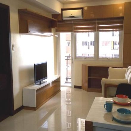 Rent this 1 bed condo on JinJiang Inn in Lourdes, Pasig