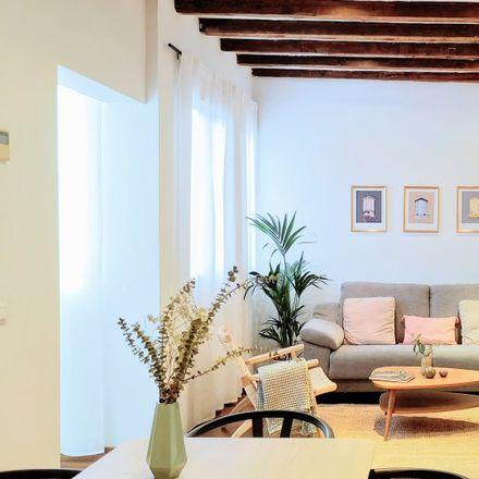 Rent this 2 bed apartment on Calle de la Concepción Jerónima in 30, 28012 Madrid