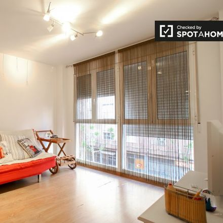 Rent this 1 bed apartment on Carrer de Fra Pere Vives in 46009 Valencia, Spain