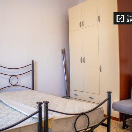 Rent this 4 bed apartment on Parrucchiere Compagnia della Bellezza in Via Pietro Maffi, 74