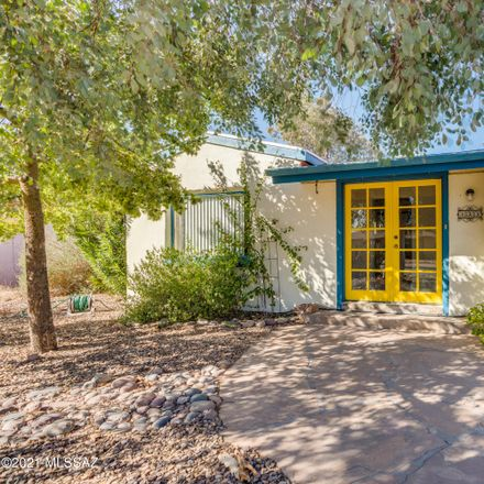 Rent this 3 bed house on 833 East Seneca Street in Tucson, AZ 85719