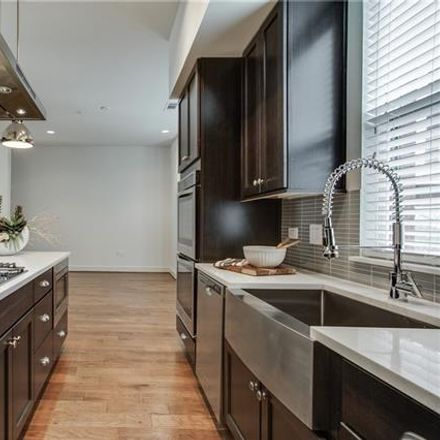 Rent this 3 bed condo on 2523 State Street in Dallas, TX 75201
