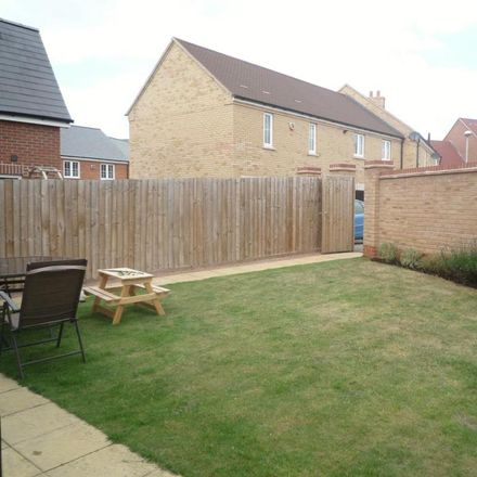 Rent this 3 bed house on Teeswater in Aylesbury Vale MK18 1FZ, United Kingdom