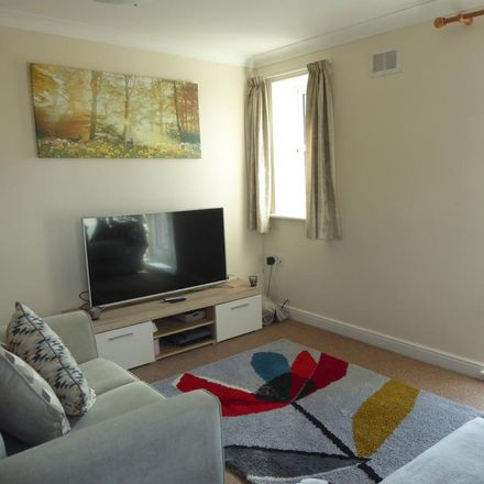 Rent this 2 bed apartment on Elms Court in New Road, Bromsgrove B60 3EQ