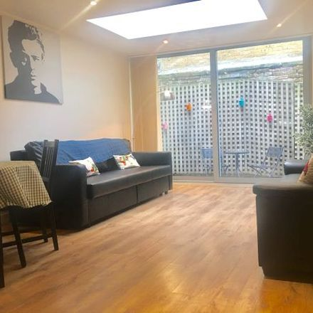 Rent this 3 bed apartment on 24 Bacon Street in London E1 6SA, United Kingdom
