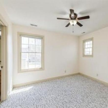 Rent this 5 bed house on 2777 147th Street in Urbandale, IA 50323