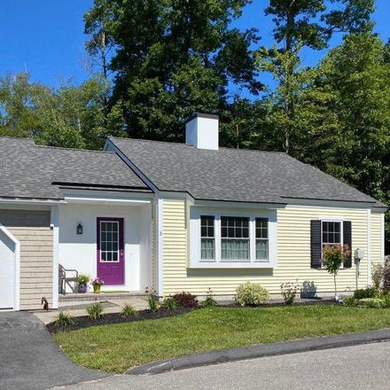 Rent this 2 bed condo on Lloyd Ave in Portland, ME