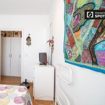 Rent this 2 bed apartment on Calle de la Piña in 28001 Madrid, Spain