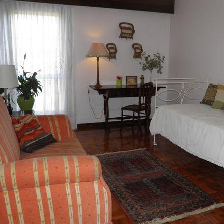 Rent this 3 bed room on Rua Francisco Marcelo Curto in 1495-120 Algés, Linda-a-Velha e Cruz Quebrada-Dafundo