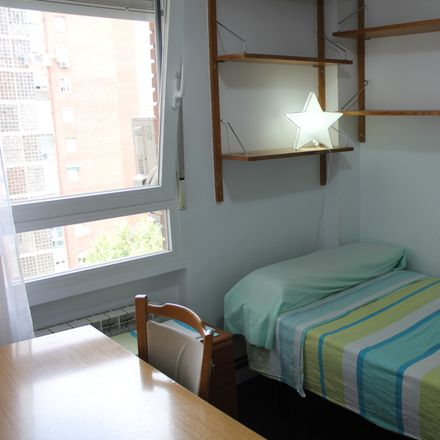 Rent this 3 bed room on Bankia in Calle de Escalona, 28001 Madrid