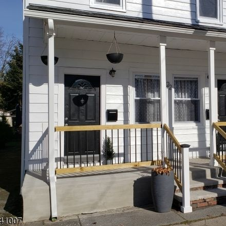 Rent this 4 bed apartment on Railroad Ave in Wanaque, NJ